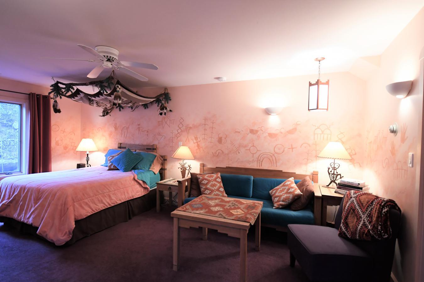 Indian Rock Art Suite Bed And Breakfast Blue Skies Inn