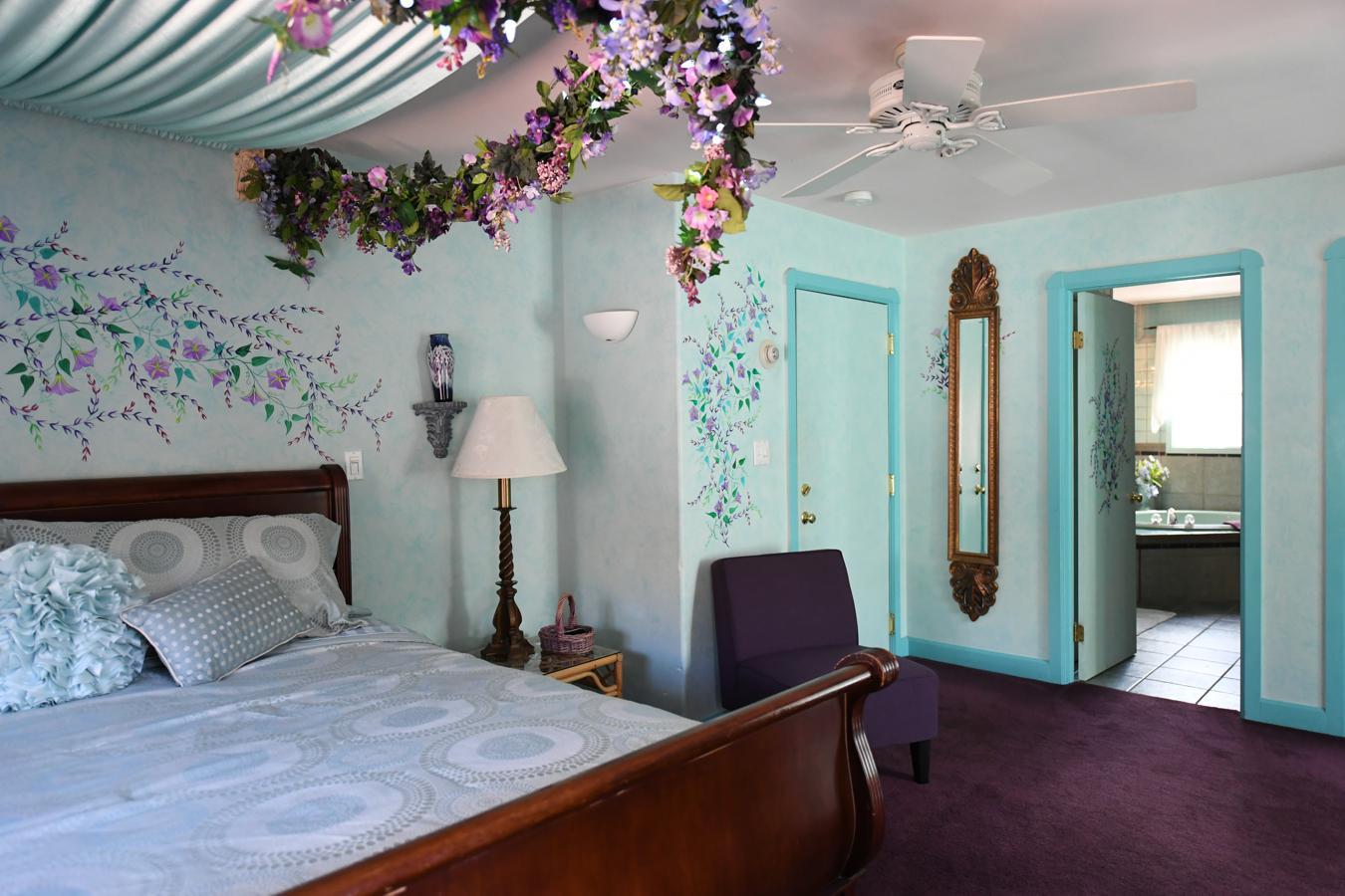 Morning Glory Suite Bed And Breakfast Blue Skies Inn