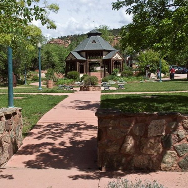 Blue Skies Inn - Hotel in Manitou Springs, Colorado